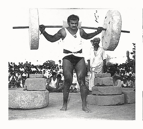 barefoot-weight-lifting